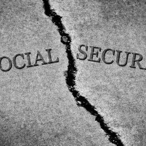 6 HUGE Social Security Mistakes